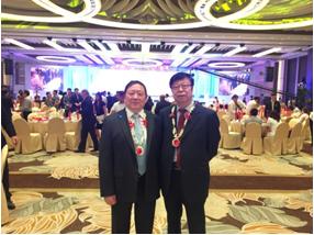 俞董事长与中焙糖协理事长朱念琳合影