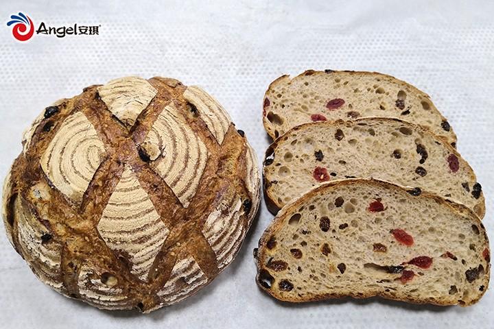 全麦乡村果料面包.jpg